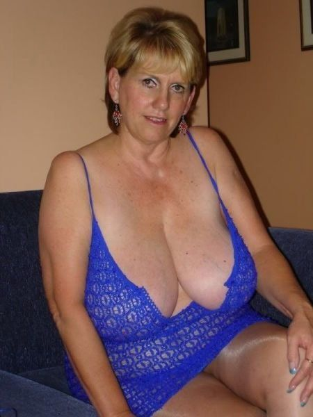 Hot mature cleavage think