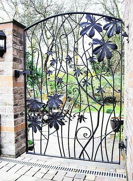 Horse Chestnut Garden Gate  Outdoors    Portail Fer