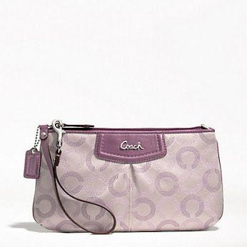 berminat mendapatkan beg tangan   wristlet dari  Coach   Annisa Resources  menyediakan utk anda  ) 9efc453035