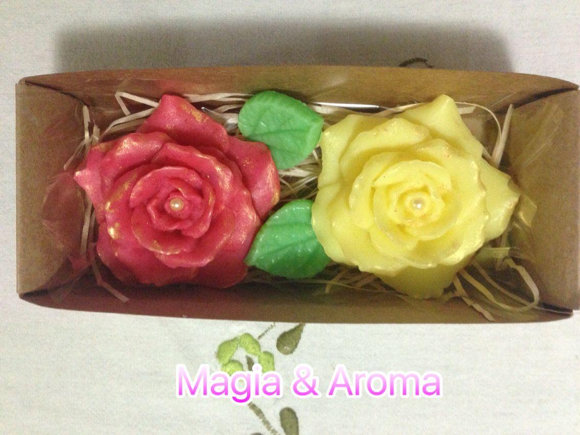 E as caixinhas voltaram!! 🙌🏻 Hoje, apresento a Rosa Damascena! Esta linda caixinha vem com duas rosas e duas folhinhas, feitas com extratos e aroma deliciosos! 🌸❤️ Vocês não podem perder! Entrem em contato! 💻📱😘