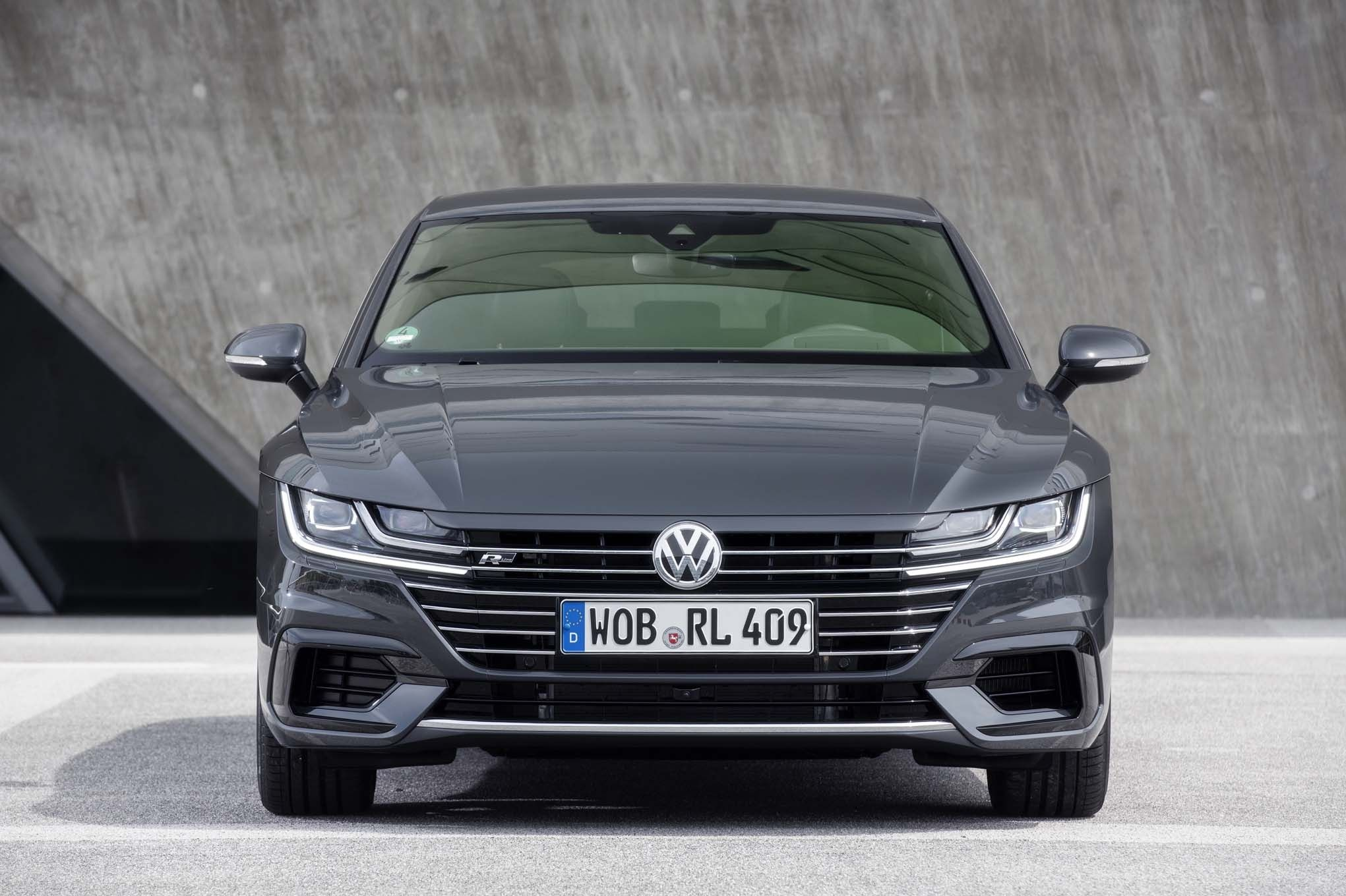 The Volkswagen Passat Is Due For Its Next Full Redesign Sometime In 2019 Although No Official Information Has Bee Volkswagen Passat Cc Volkswagen Cc Passat Cc