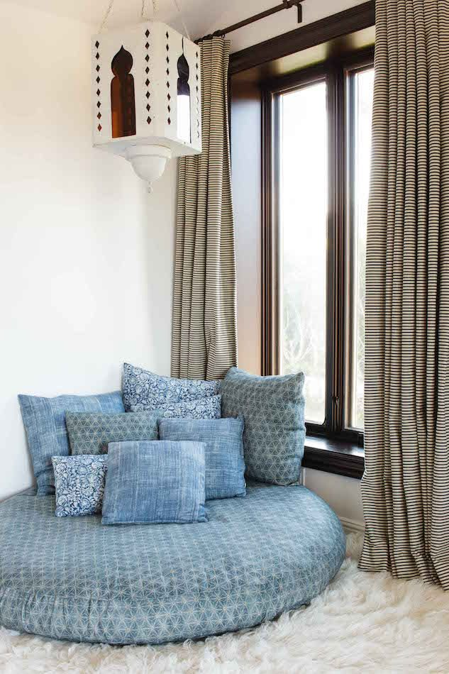 34 Enchanting Blue and White Rooms
