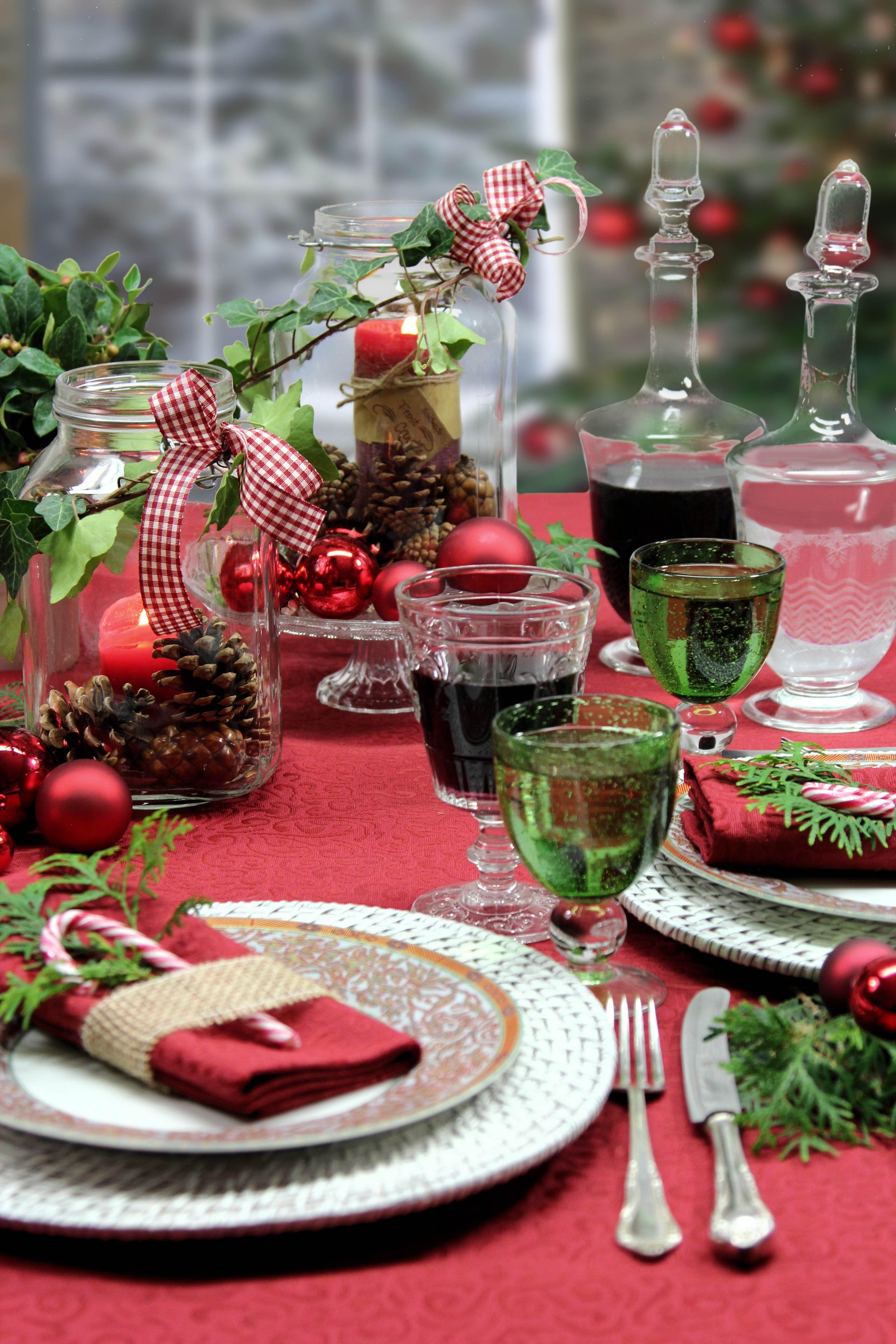 weihnachtstisch mit tischdecke secret von sander mit fleckschutz b gelfrei pflegeleicht. Black Bedroom Furniture Sets. Home Design Ideas