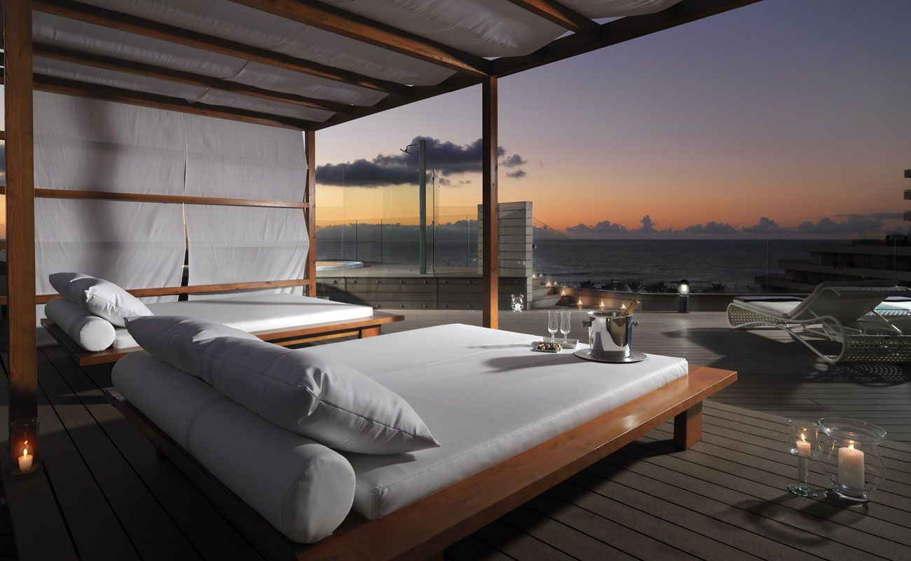 H10 conquistador hotel in tenerife playa de las for Design hotels teneriffa