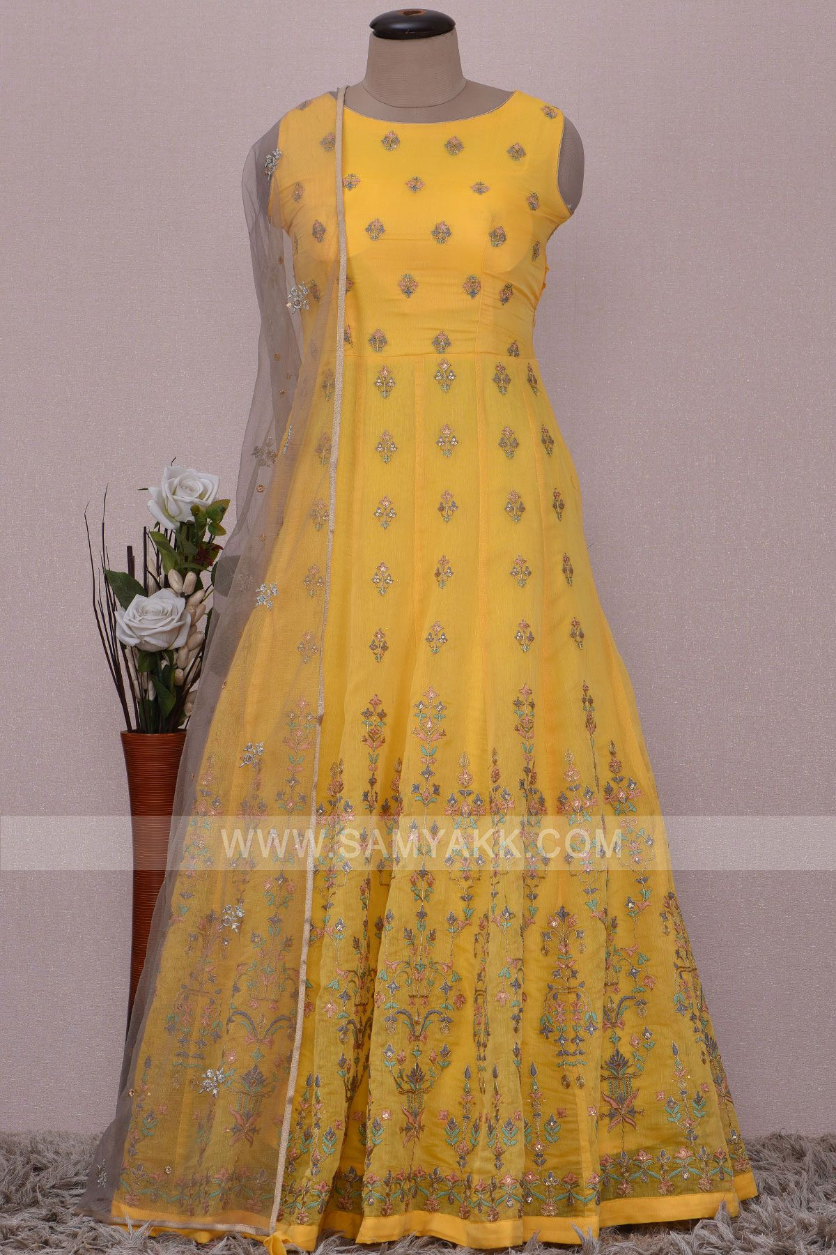 Set fashion statement by adorning this aureolin yellow