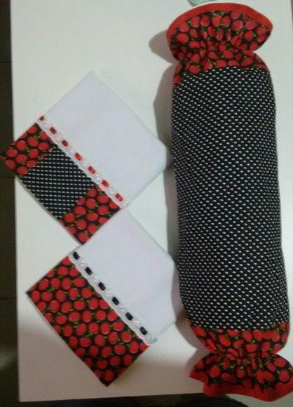 Kit 2 pano de copa 1 puxa saco *Estoque com cores sortidas. 100% algodao Barrado com tricoline Passa fita e fita cetim.