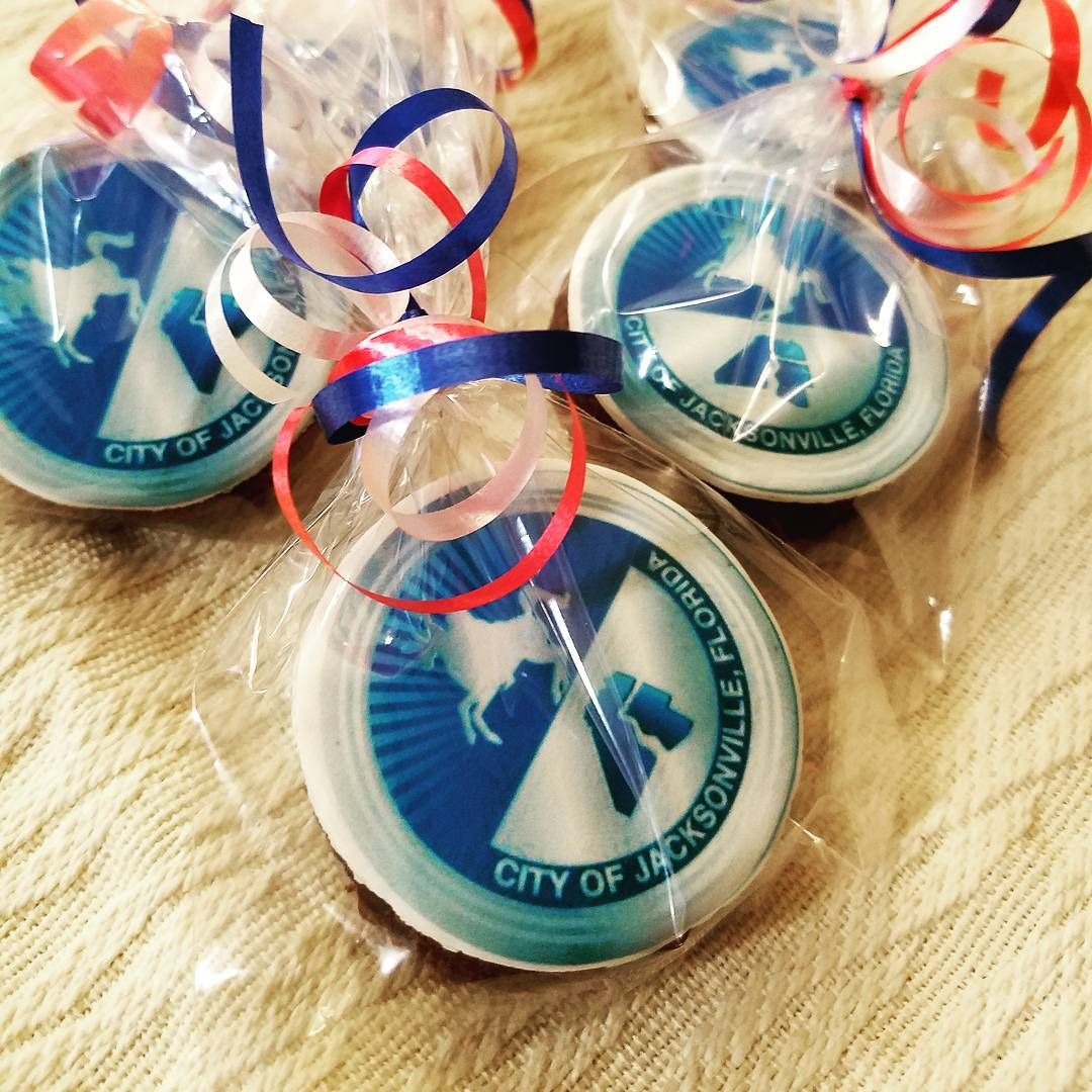 The City Of Jacksonville S Seal On One Of Our Delicious Brownies Therese Brownies Are 100 Edible Brownies Corporat Corporate Gifts Delicious Brownies Gifts
