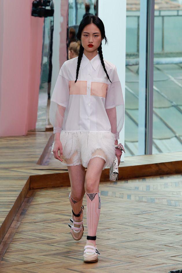 Prada pré primavera-verão 2018   moda   Pinterest   Prada, Primavera ... 1ad7872c06