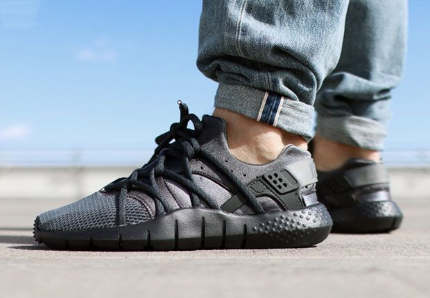 lowest price 75a31 a4f32 The Nike Huarache NM Is Releasing In Dark Grey - SneakerNews.com