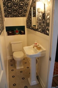 Utilizing Under Stairs Space For Adorable Small Bathrooms Ideas