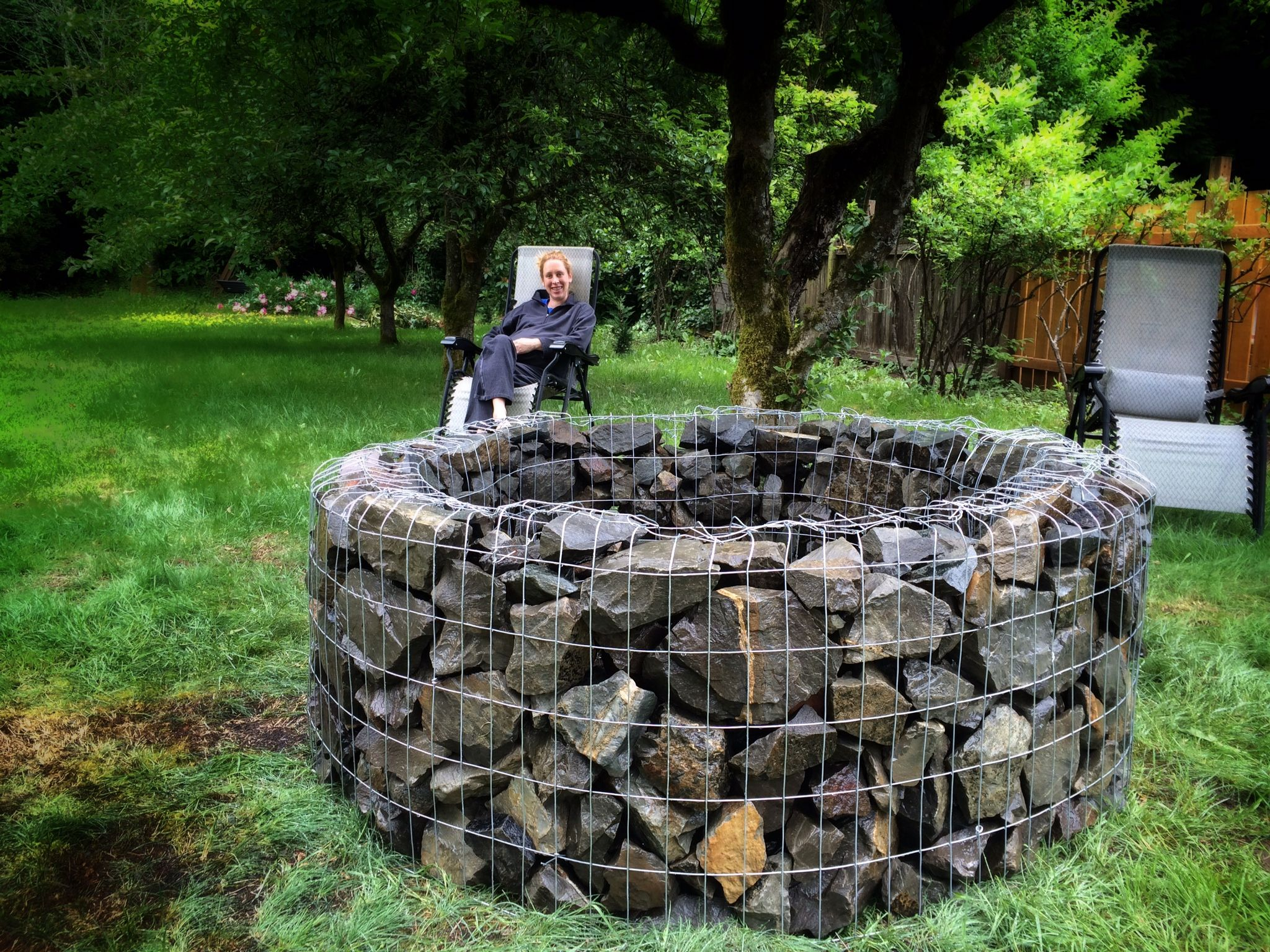 Gabion Fire Pit Diy Metal Fabric Produces A Beautiful