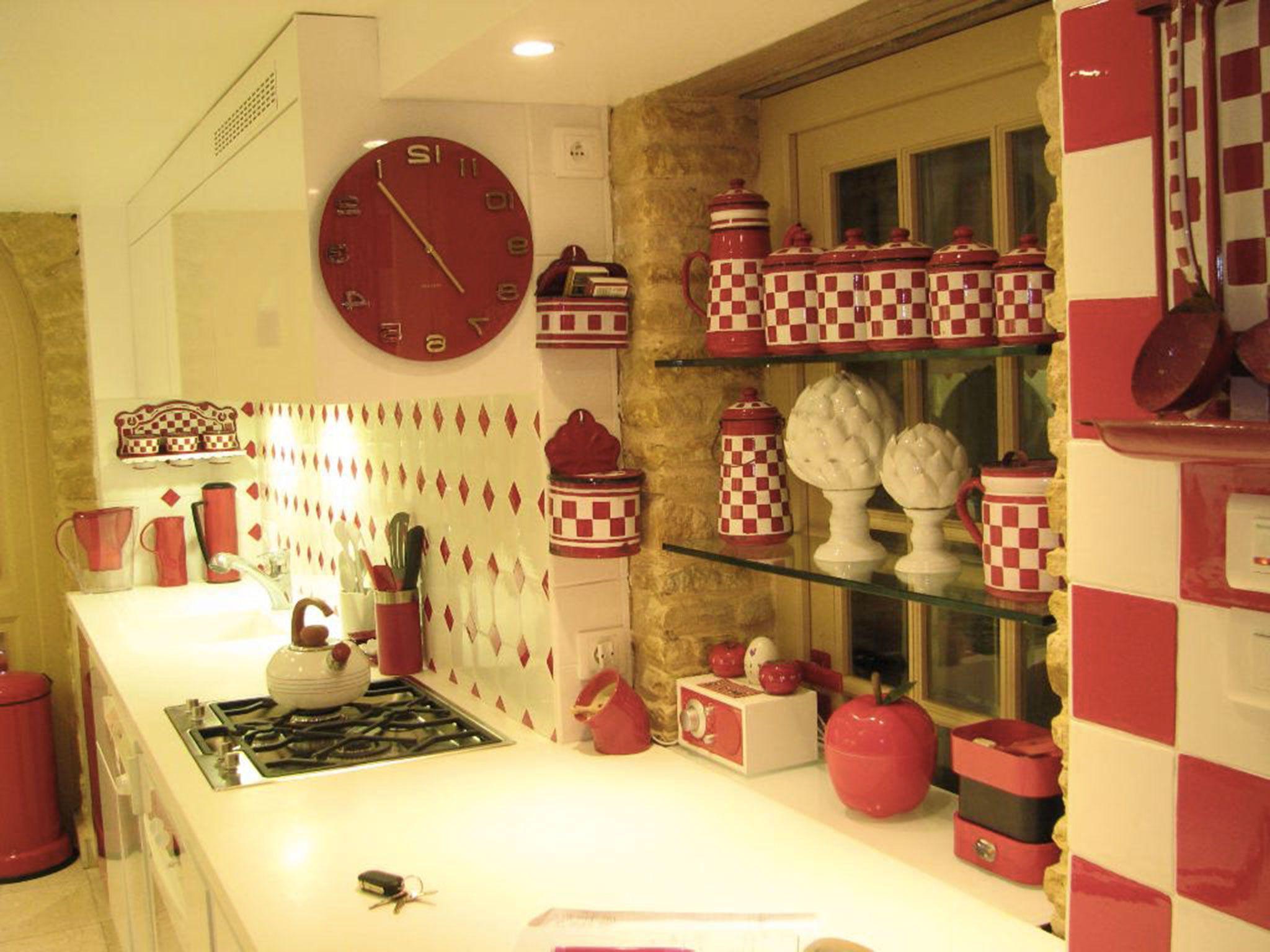 Épinglé par aurore sur cuisine  Rouge et blanc, Belle cuisine