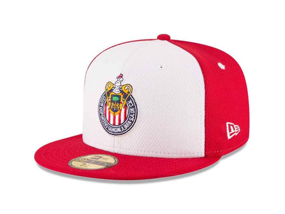 Las gorras New Era se engalanan y ahora hicieron alianza con las Chivas del  Guadalajara. Las gorras de Chivas marcan un parte aguas para New Era México. 024fab1e74c