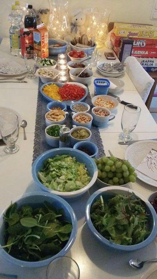 Värikästä ja terveellistä ruokaa hyvien ystävien seurassa.