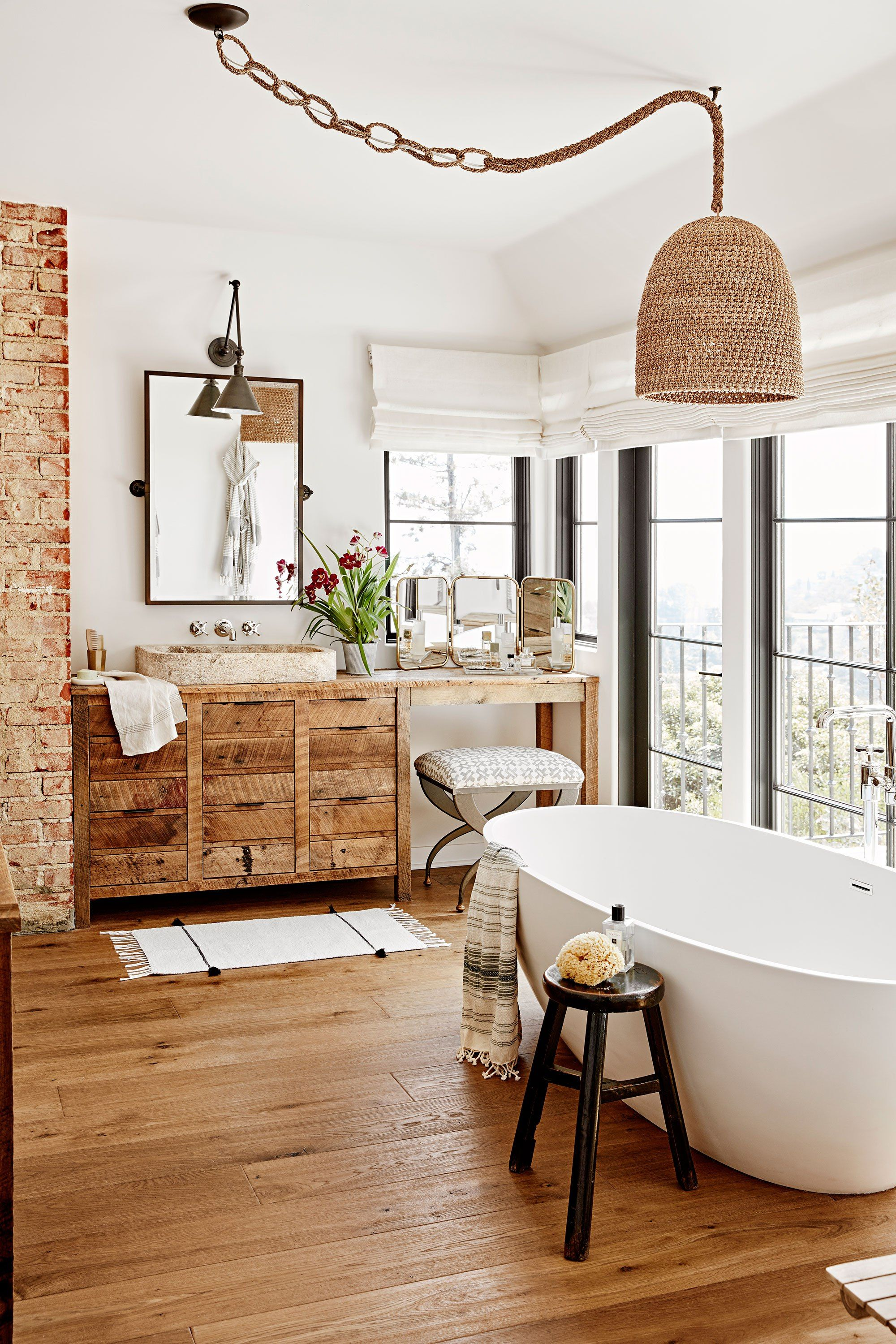 Photos Inside Julianne Hough S Cozy And Colorful Hollywood Home