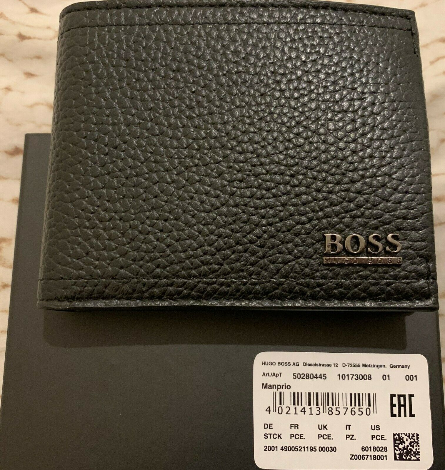 Hugo BOSS Men/'s Black Leather Wallet /'Manprio/' Bi-fold Style 50280445