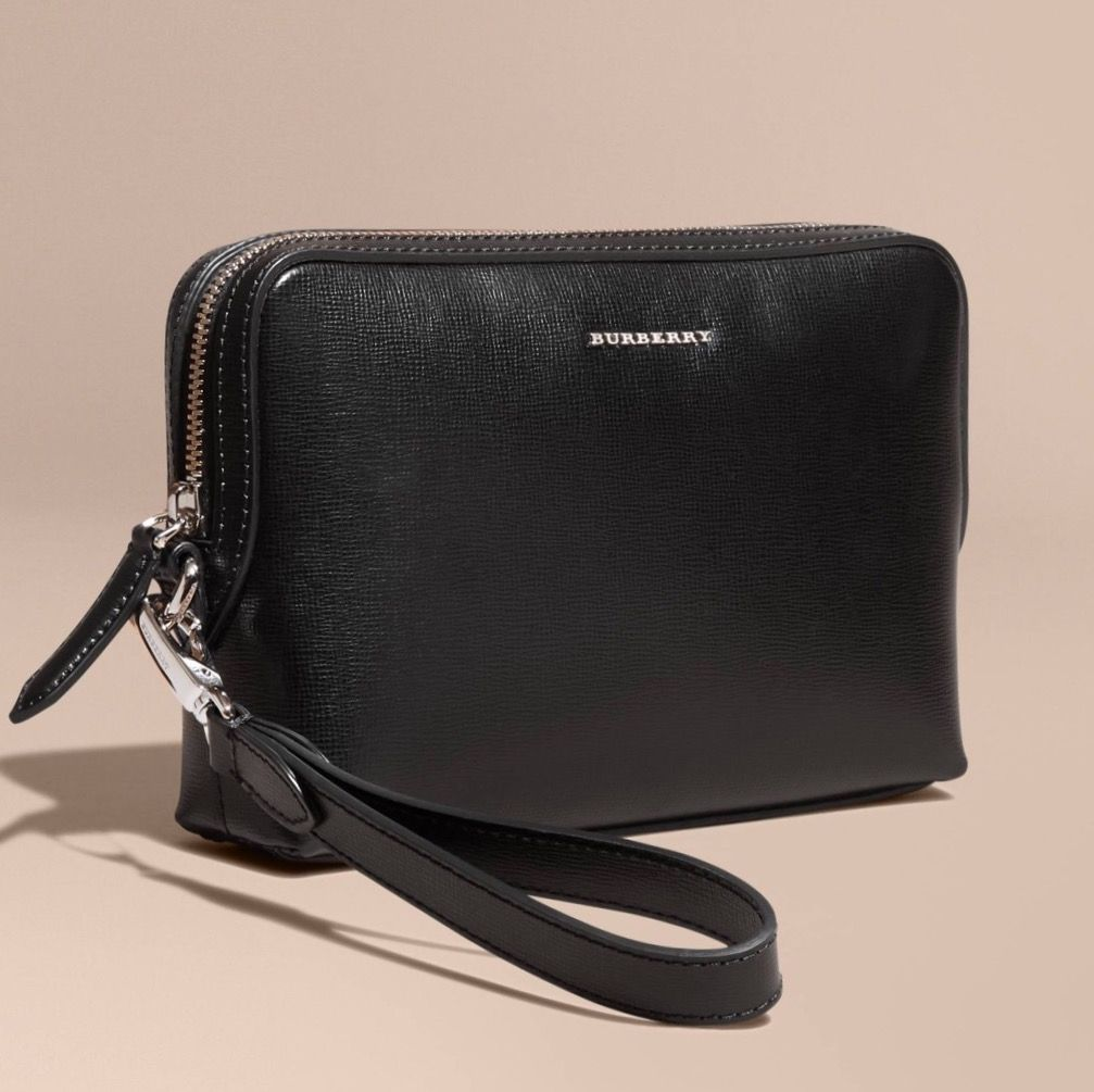 03e72c7a29a BURBERRY London Leather Pouch (Black) Made in Italy Men Clutch  Bag . ... 6a1eee53ca154