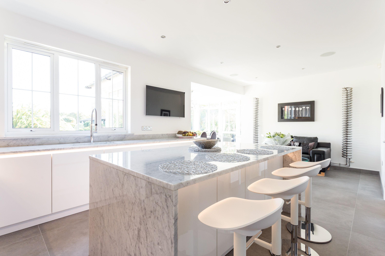 Handleless German Nolte Kitchen in Lux Gloss White with Matrix Art ...
