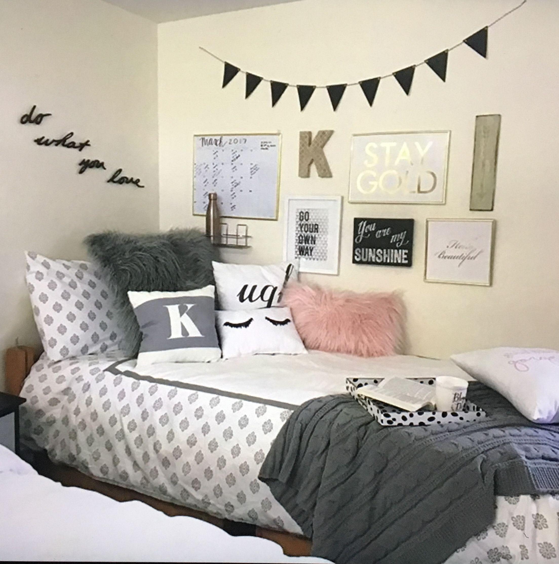 Pin by Mikaela Swiel on Bedrooms ideas   Dorm room designs ...