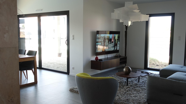 Villa Nexthome Creation Architecture Contemporaine A Toit Plat Garage Accole Surface Habitable 167 M Dans La Commune De Sain Maison Toit Plat Toit Plat Maison