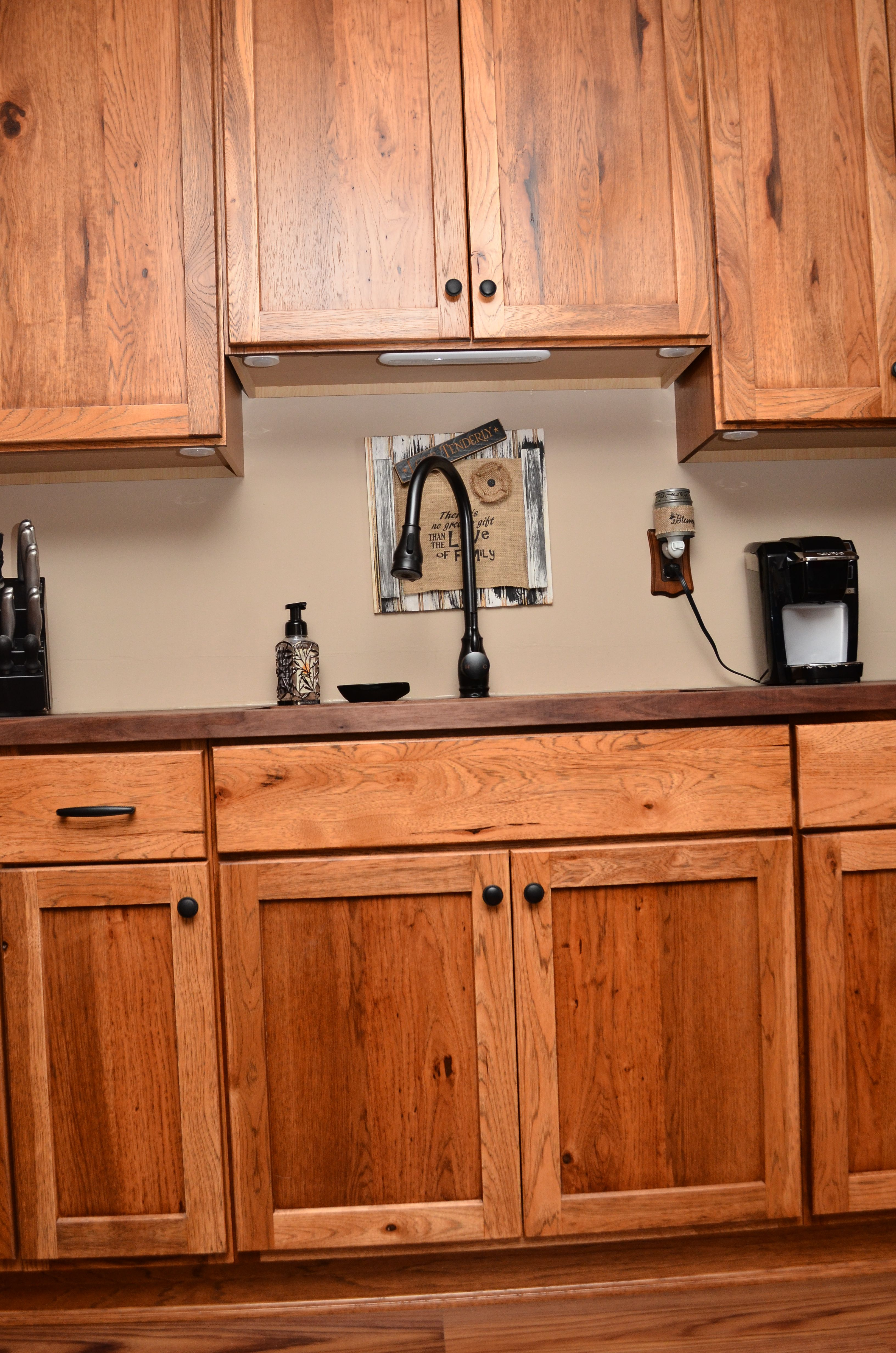 Haas Signature Shakertown V Rustic Hickory Pecan Kitchen Cabinets Kitchen Design Hickory Kitchen Cabinets