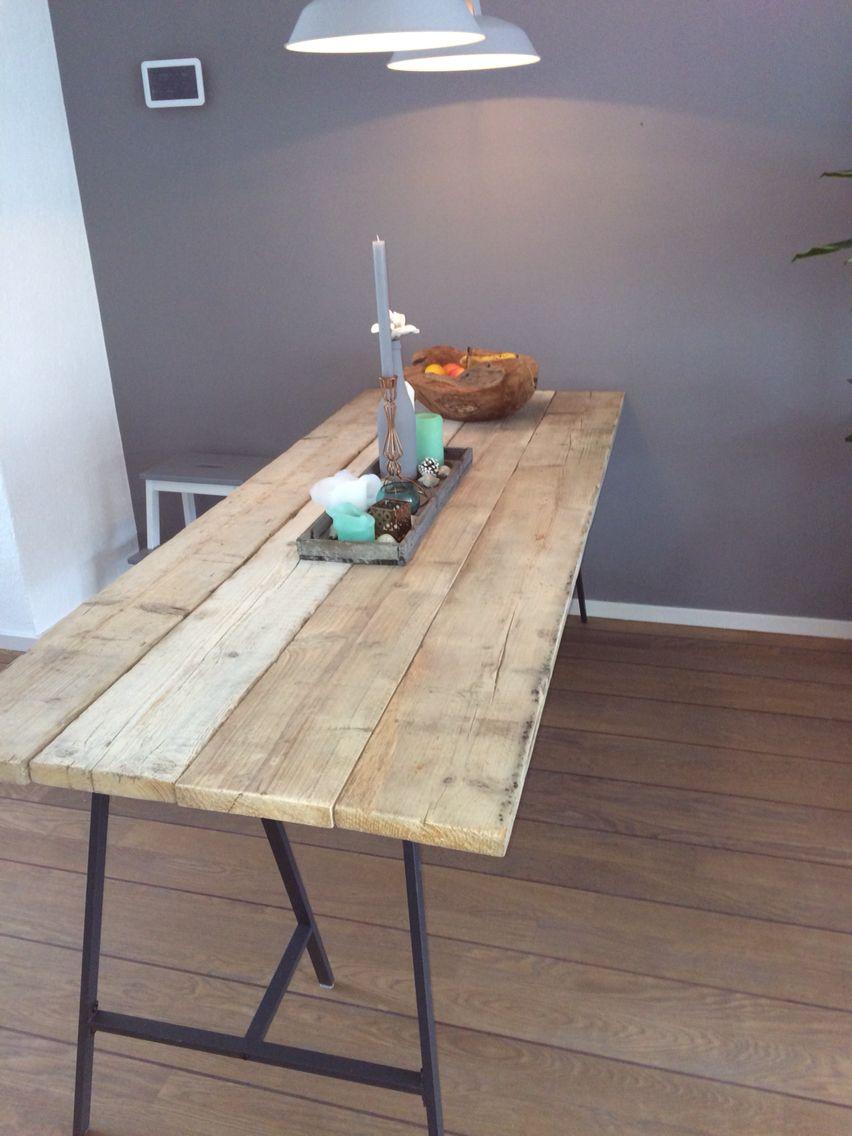 nieuwe tafel steigerhout en ikea schragen steigerhout pinterest ikea eettafel en werkkamer. Black Bedroom Furniture Sets. Home Design Ideas