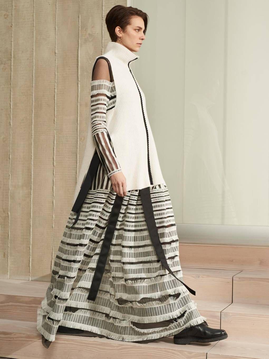 Amanda Wakeley Fall 12 Ready to Wear Fashion Show   Fashion ...