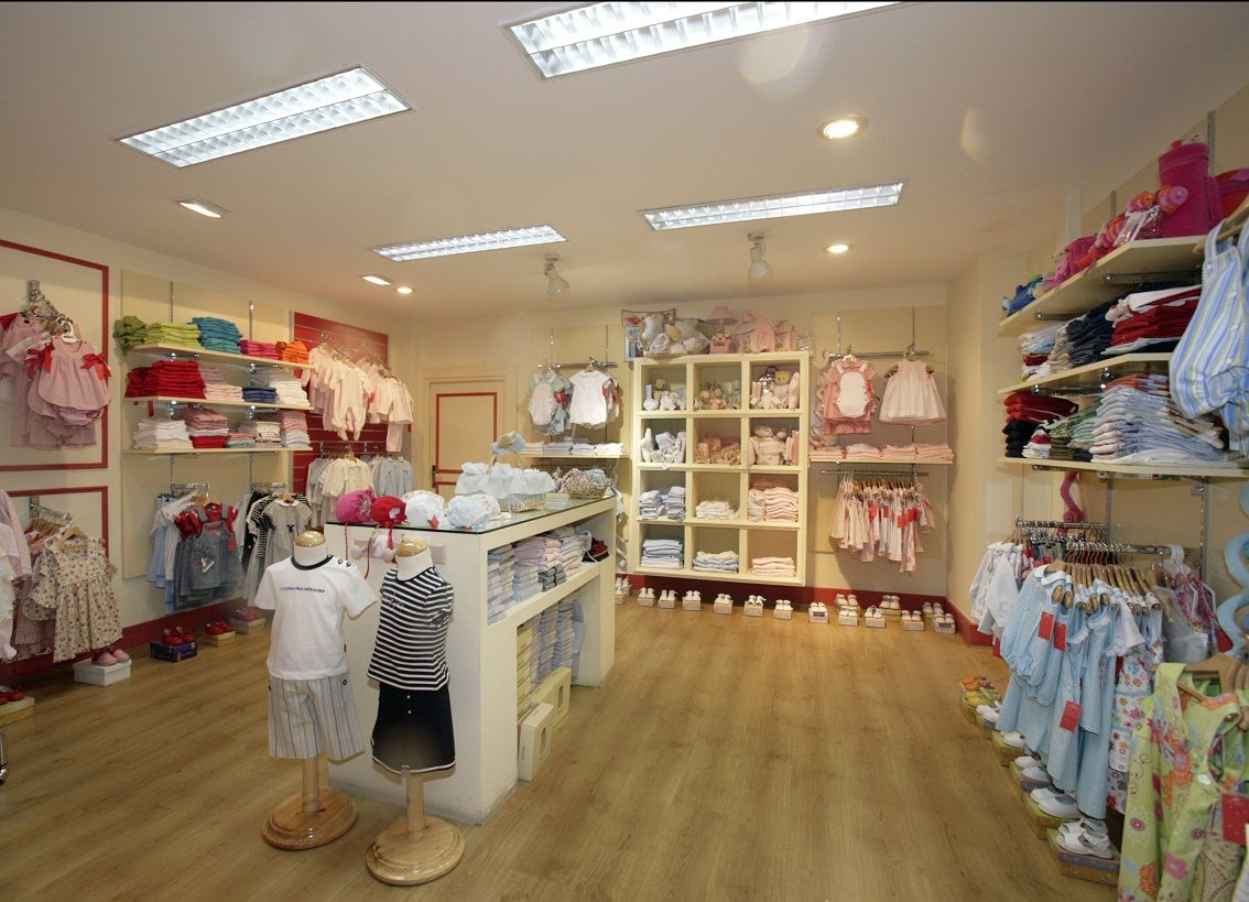 Dise o de tienda de ropa infantil buscar con google for Diseno de ropa