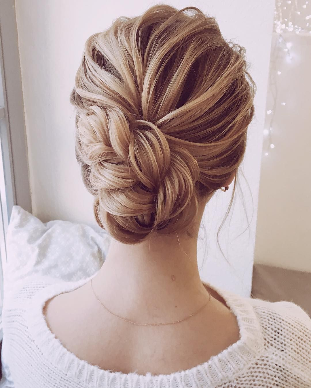 Jaw dropping wedding updo hairstyle