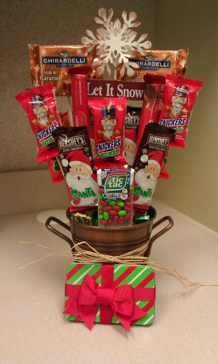 Christmas candy bouquet homemade gifts pinterest for Homemade christmas candy gift ideas