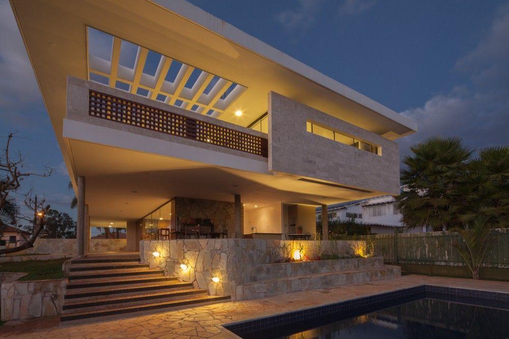 JPGN House / Macedo, Gomes & Sobreira
