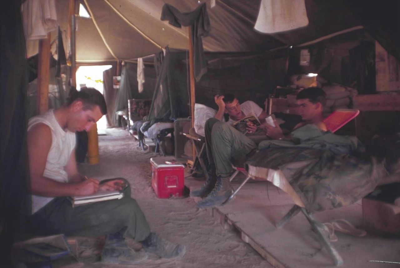174th ahc vietnam - Men Of The 2nd Platoon 174th Assault Helicopter Company Inside Their Tent Duc Pho