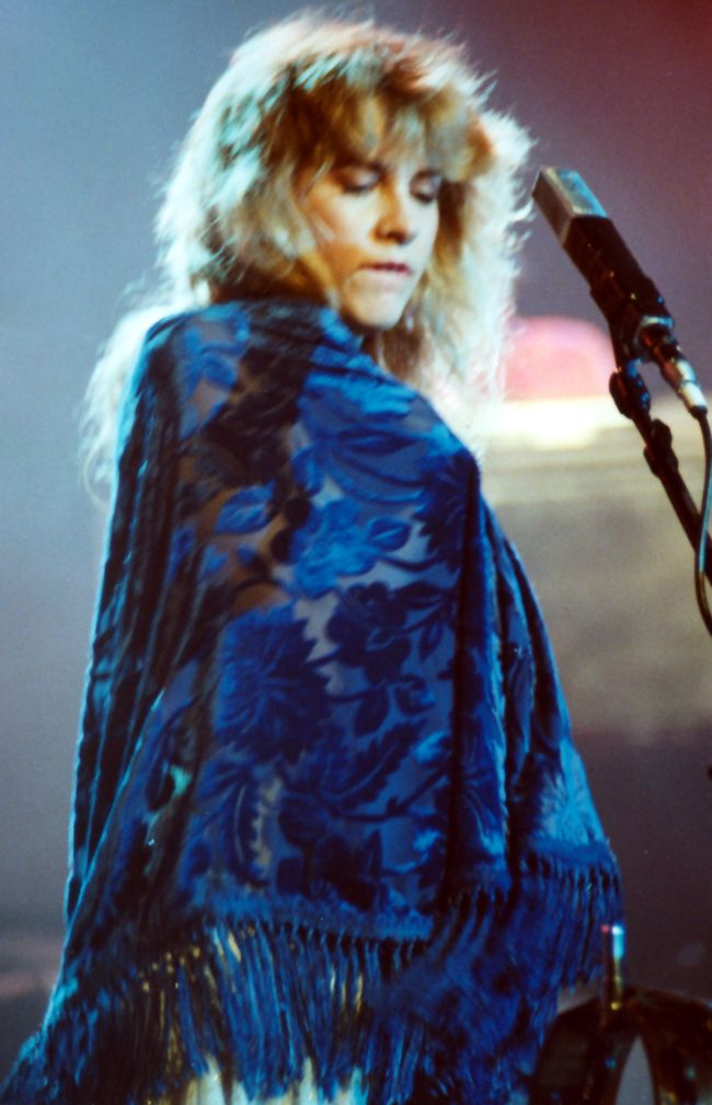 Stevie Nicks blue lamp shawl | Stevie Nicks | Pinterest | Stevie ...