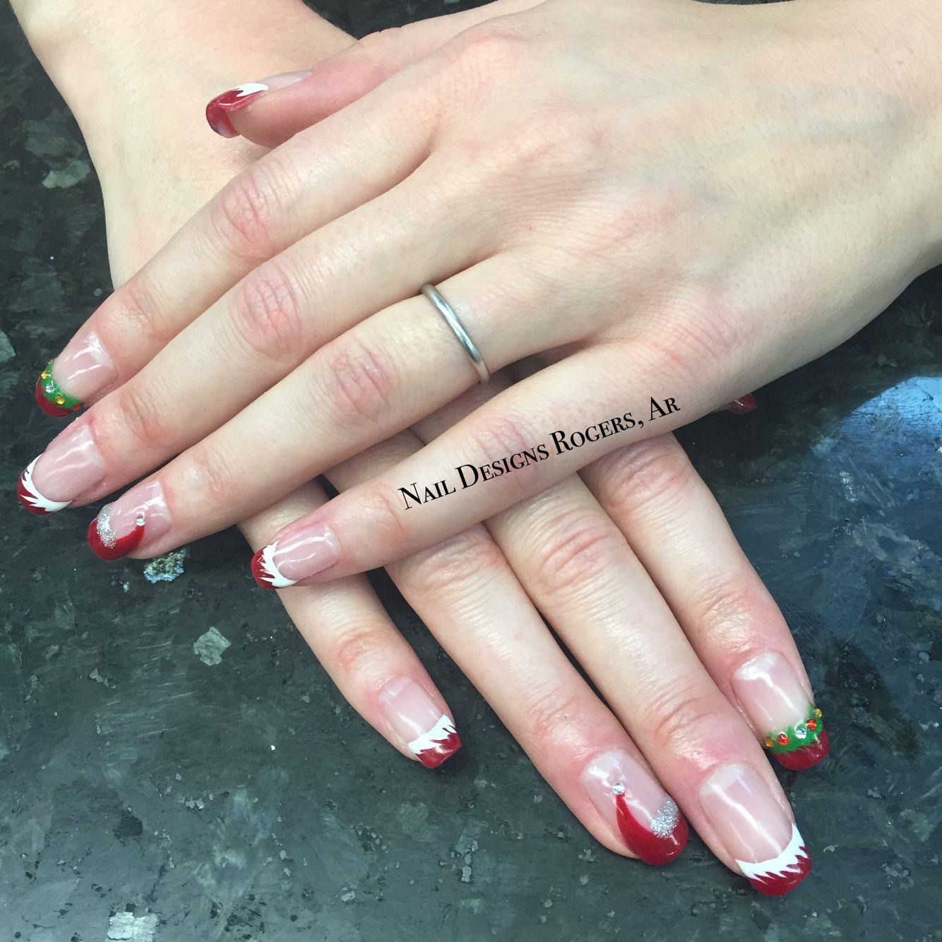 Red tips with glazed and Santa hats and wreaths in shellac. Nail arts. Nail designs. Christmas nails