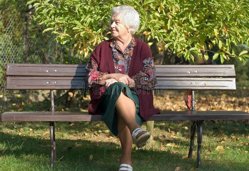 In The Garden Elderly Woman Sitting On A Bench In The Park Garden Affiliate Woman Elderly Garden Park Bench Ad Image Stock Images Free Photo
