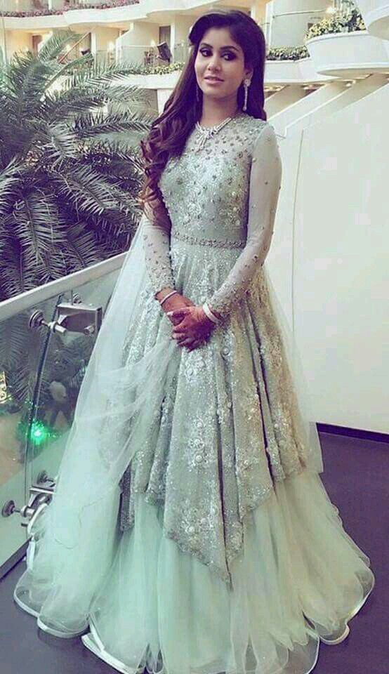 Pin By Abd On Sumo Indian Wedding Gowns Indowestern Gowns