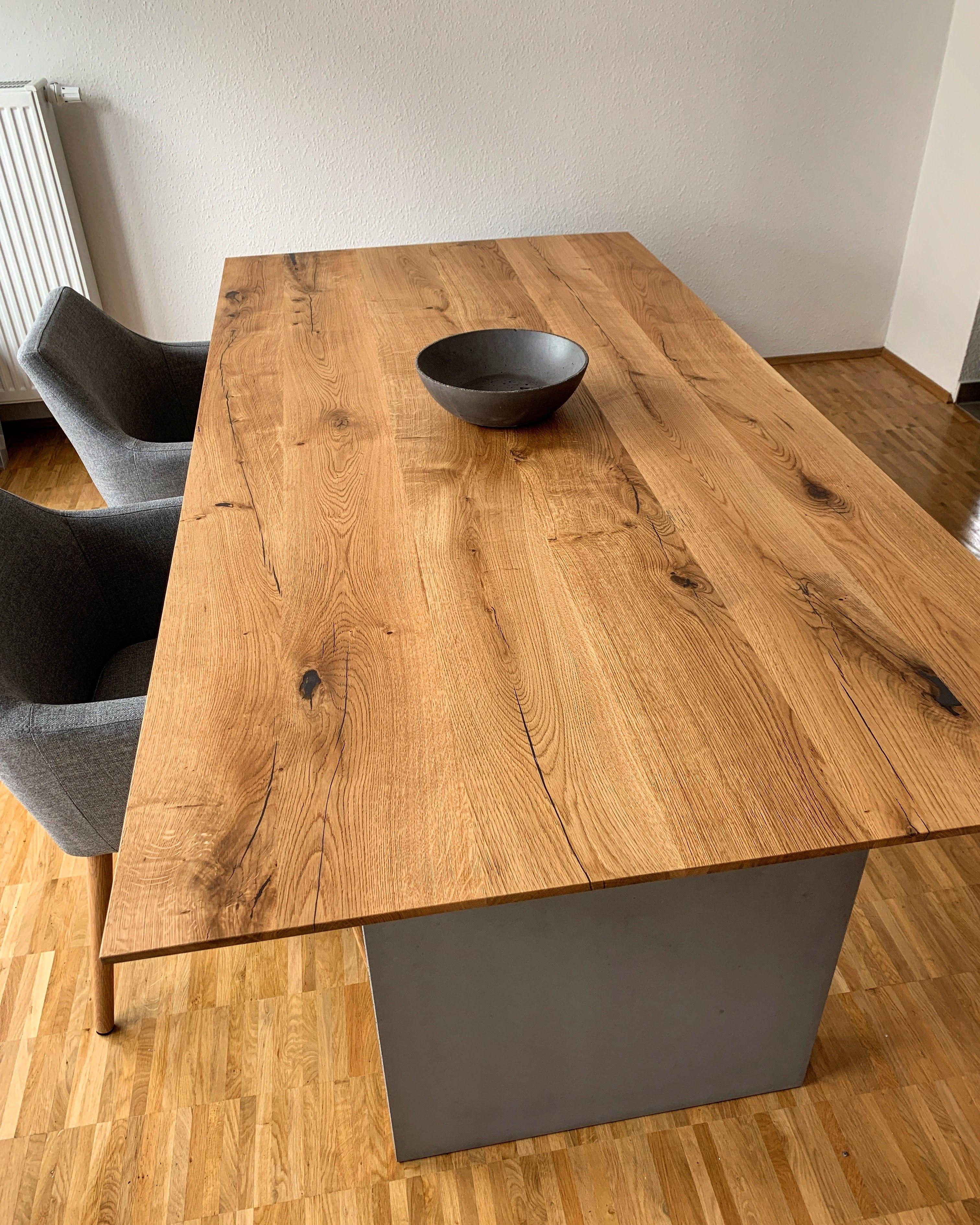 Esstisch In Eiche Und Beton Esstisch Design Tisch Tisch