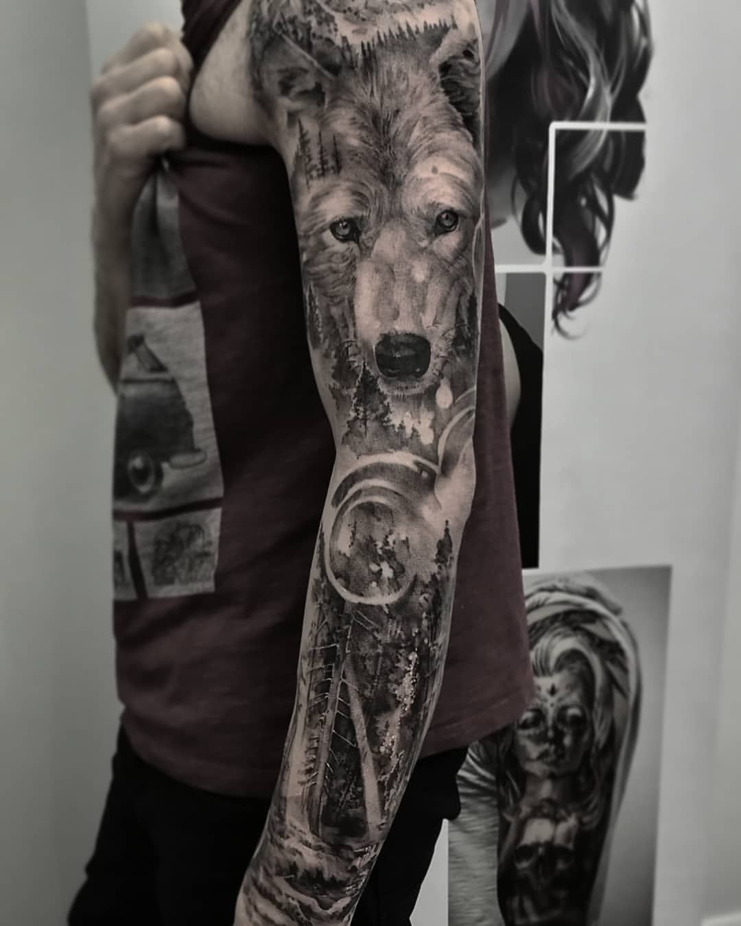 Black And White Wolf Tattoo On The Entire Arm Made By John Hudic Travel Tattoo Artist This One Was Made White Wolf Tattoo Wolf Tattoo Sleeve Wolf Tattoo