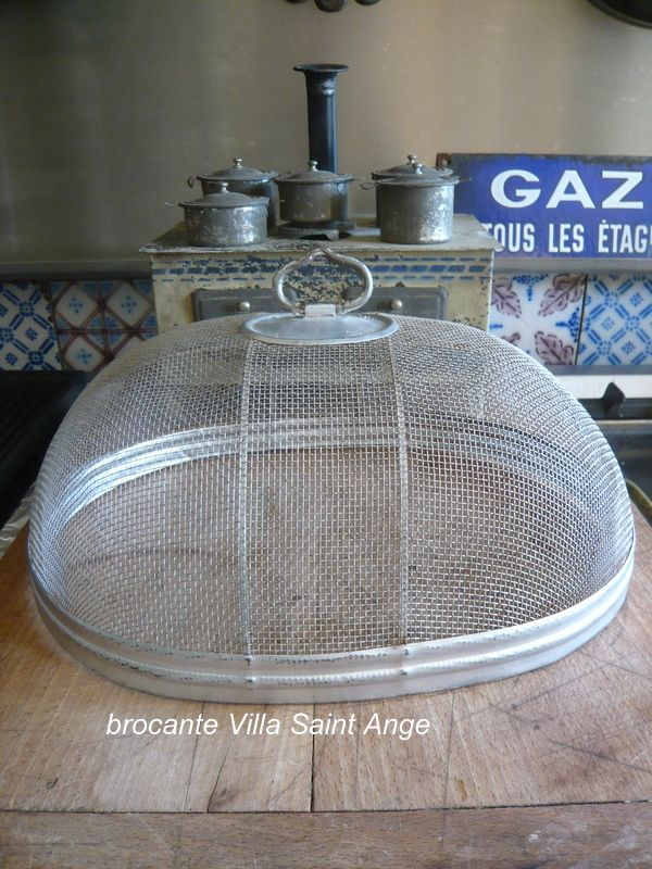 Ancienne Cloche Grillagee So Chic Cloche Objets Brocante