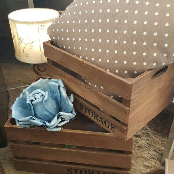 Cajas de ordenacion flores y cojines con toque rustico para hogares muy acogedores detalles - Cajas de ordenacion ...