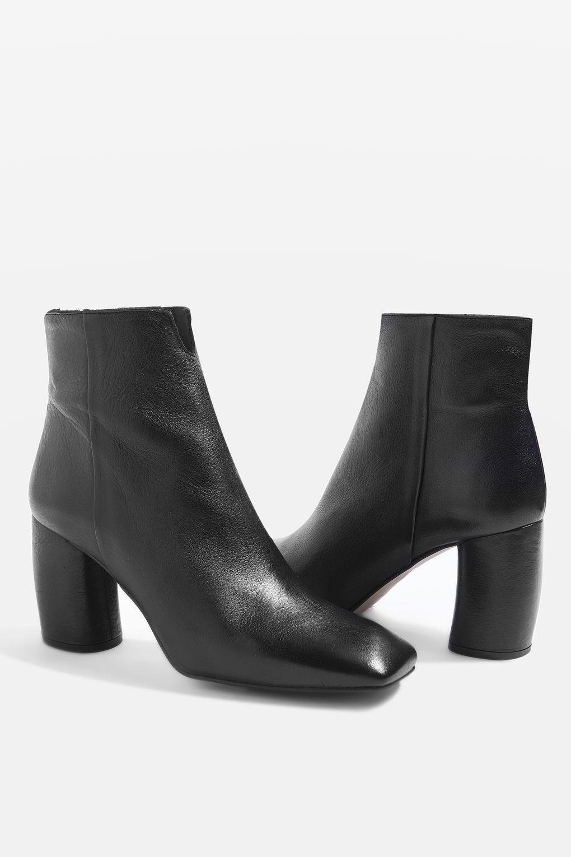 3dcd4e9bff20 HOBBS Banana Heel Boots