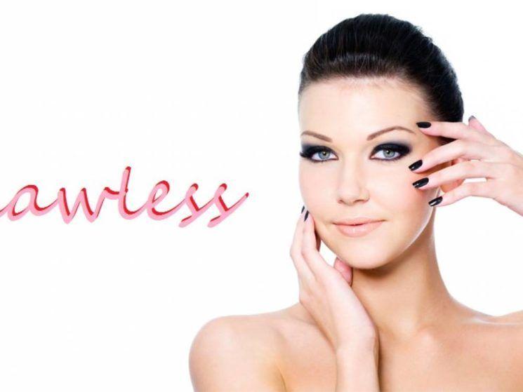 To look του φθινοπώρου θέλει flawless makeup  8b60bc52bc3