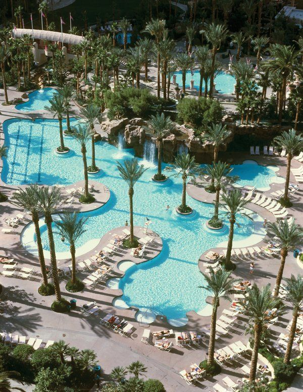 Hilton Grand Vacations Club In Las Vegas With Images Las Vegas