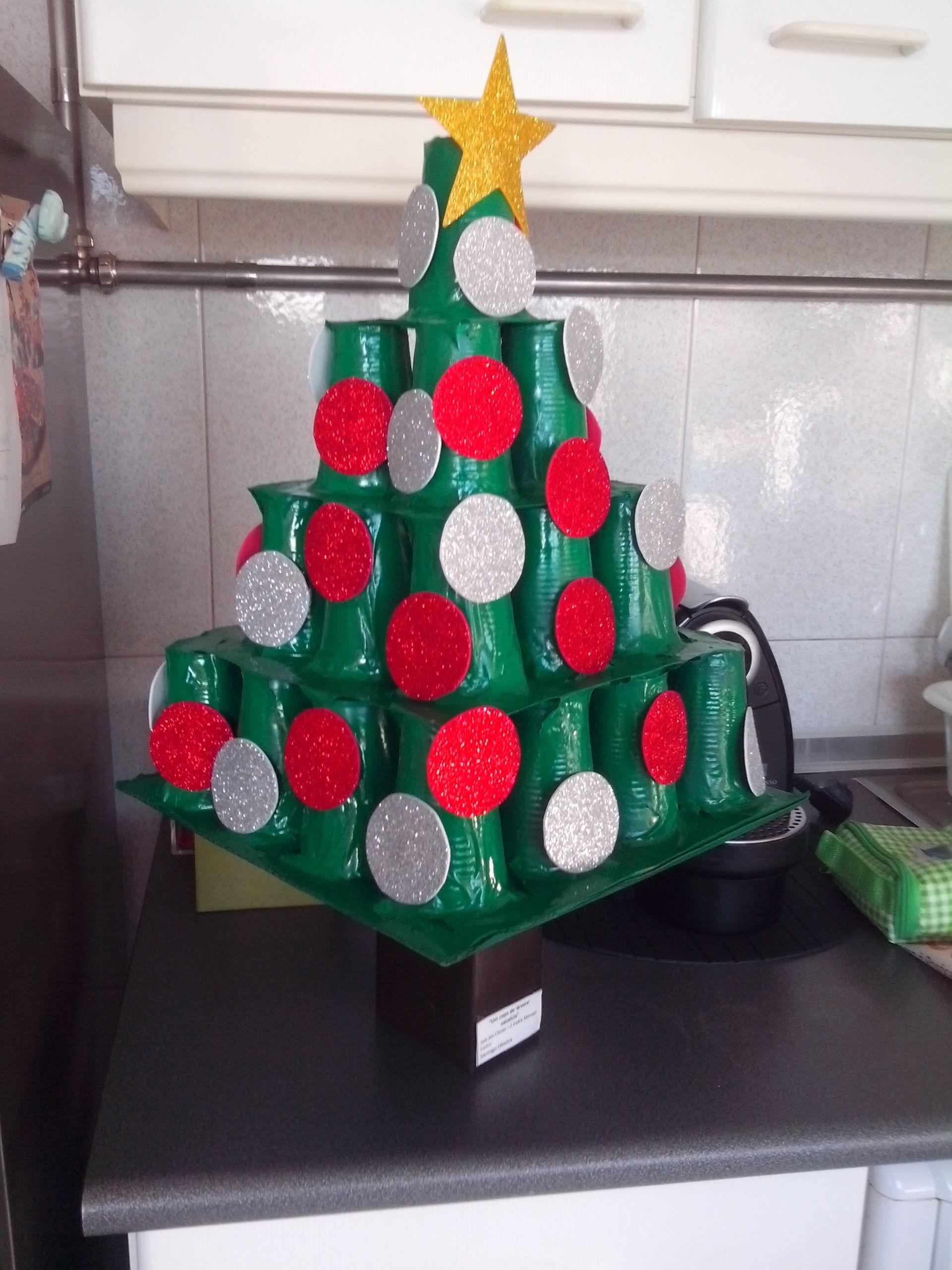 Arvore De Natal Com Material Reciclavel Pacote De Leite Tronco