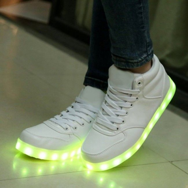Chaussure Led Avec 3 Bandes #adidas | Things I want en 2019