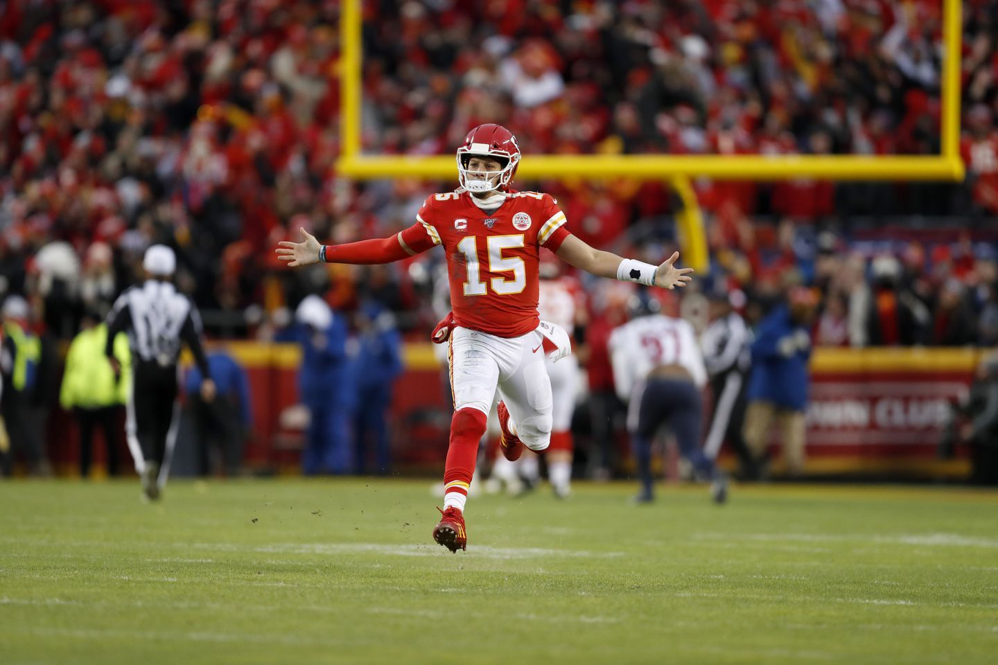 Days After Winning Last Year S Nfl Mvp Patrick Mahomes Hatched A Plan To Get Better Life Strategy In 2020 Nfl Kansas City Chiefs Football Best Quarterback