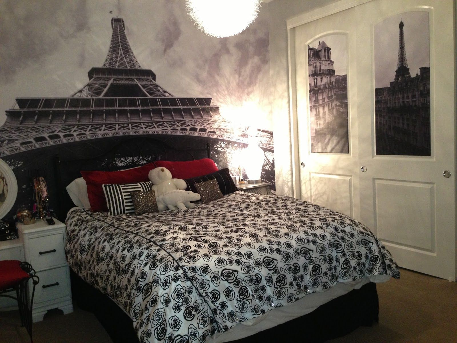 Romantic Feel Paris Bedroom Decor