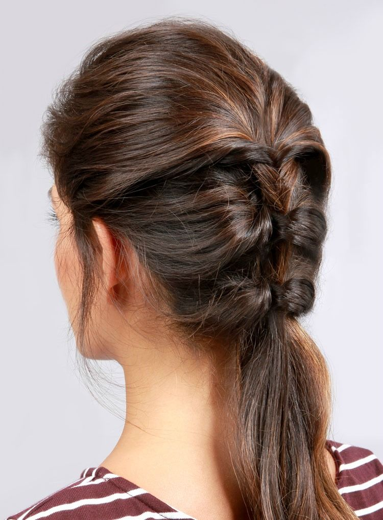 16 Easy Hairstyles for Hot Summer Days   The Everygirl ...