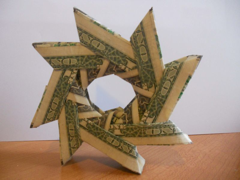 Learn How To Make This Cute Money Origami Wreath Origami