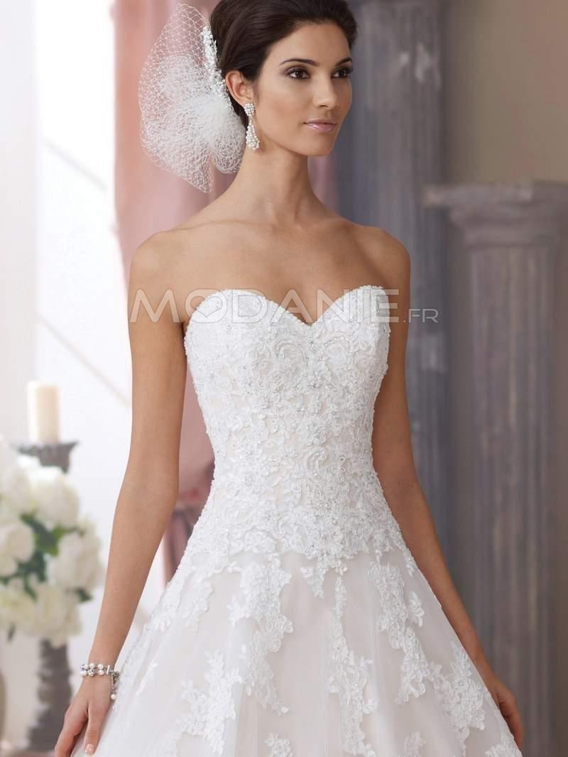 3e47ae6abff8c Robe de mariée princesse col en coeur sans bretelle bustier dentelle ...